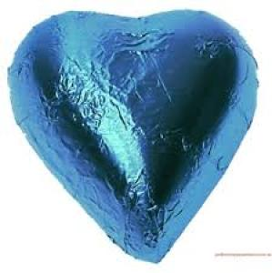 10 Blue foil chocolate hearts in organza pouch