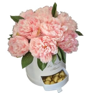Hat box of Faux Peonies