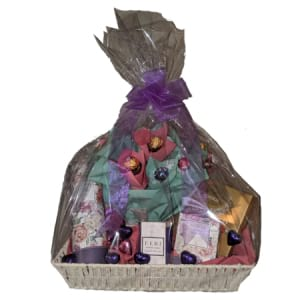 Chocolate & Candle Hamper