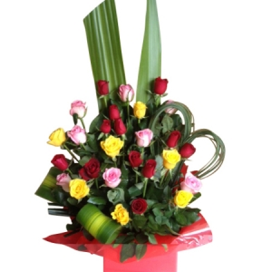 30 mixed rose arrangment